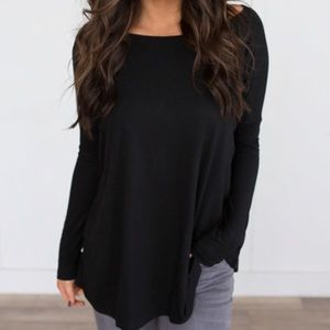 Long Sleeve Black Solid Knit